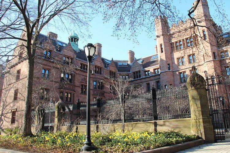 Yale Univesity