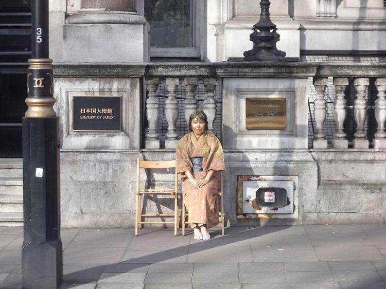 japanese_comfort-woman-london-embassy